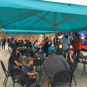charcoal-alley-jacksonvile-tx-food-trucks-6